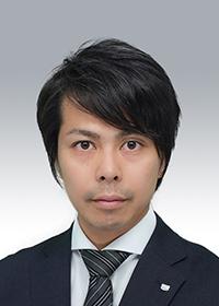 阿登 靖紀 氏